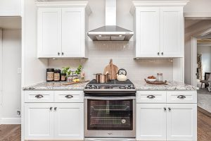 7 Best Wood for Kitchen Cabinets & How to Choose?