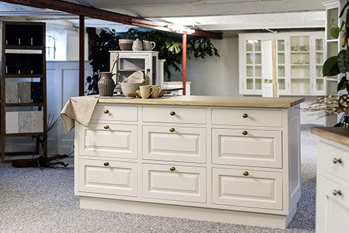 White wooden kitchen cabinets