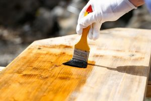 Varnish vs Polyurethane -Wood Finish Pros & Cons