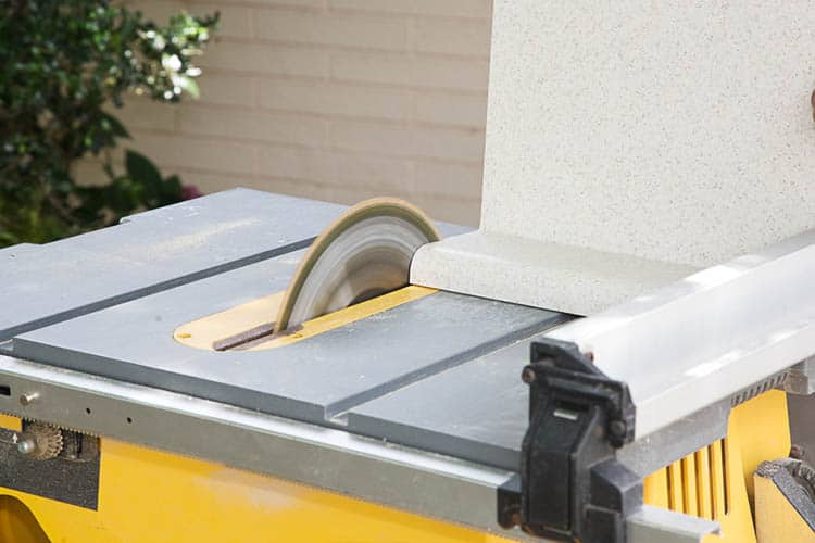 table saw to cut laminate counter top.