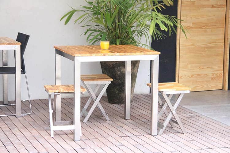 Stainless_Steel_Talbe_with_FSC_Eucalyptus_wood_Ecodesign