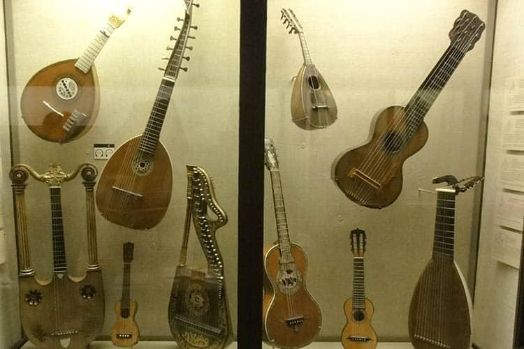 Strung instruments, Museum of Fine Arts, Boston